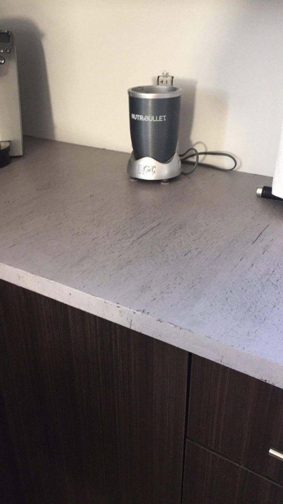 R alisation client un comptoir en b ton loft blog de colobar peinture d coration - Recouvrir un comptoir de cuisine ...