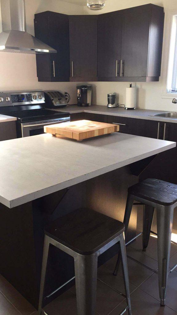R alisation client un comptoir en b ton loft blog de - Faire un comptoir en beton ...