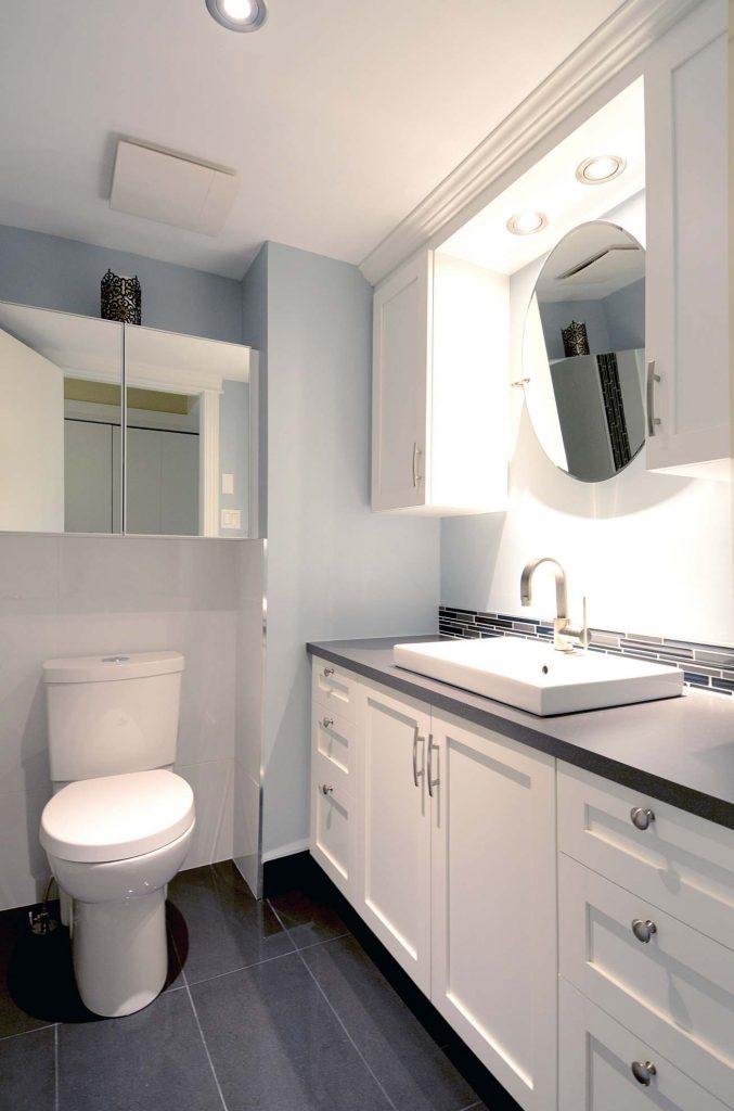 petite salle de bain grande m tamorphose blog de colobar peinture d coration. Black Bedroom Furniture Sets. Home Design Ideas
