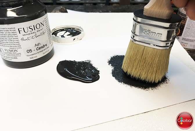 Très peu de peinture Fusion sur le pinceau sec