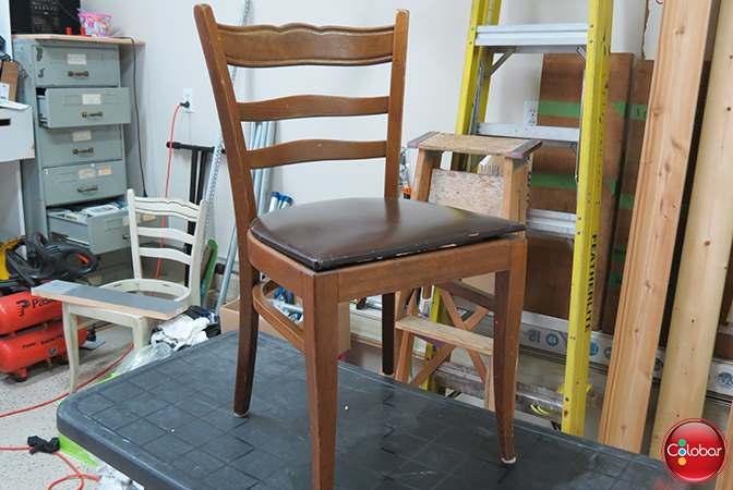 Voici un vieux meuble avant de le peinturer avec la peinture minérale Fusion de type craie