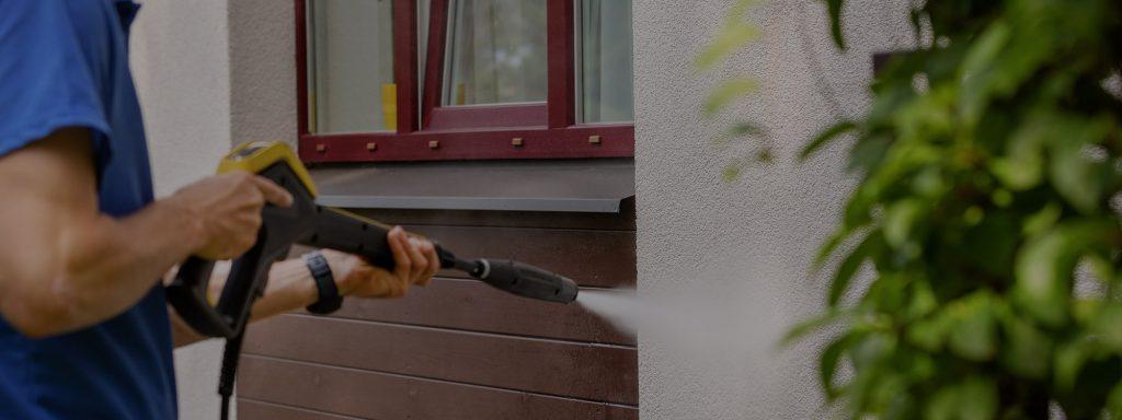 Comment nettoyer le revêtement extérieur de sa maison